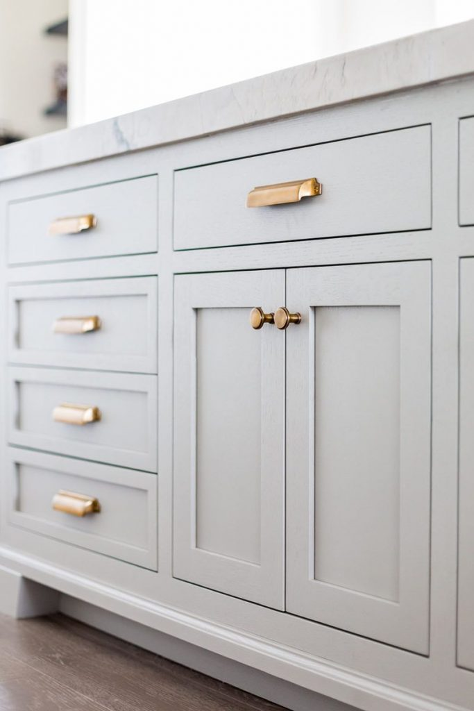 How to paint cupboard handles?